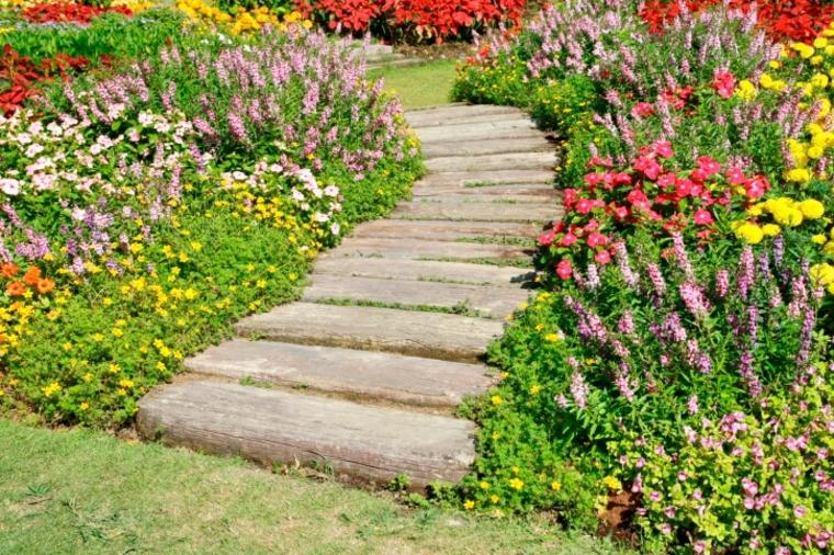 caminos con flores